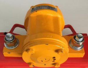 Compressed air concrete vibrators