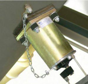 Hopper automatic hammer strike