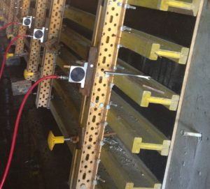 Pneumatic vibrator for concrete forms