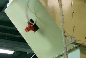 Pneumatic hammer vibrator