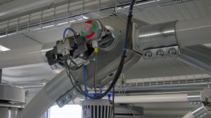 Oscillating pipeline diverter valve